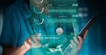 Real-time monitoring of the digital patient in clinical trials